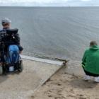 Ganz nah am Wasser mit dem Rollstuhl